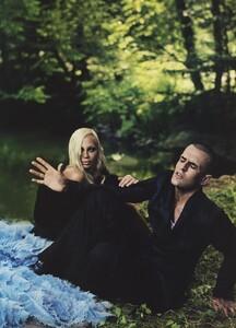 Alice_Leibovitz_US_Vogue_December_2003_23.thumb.jpg.6c4baef2ac44991f531c5f3ccdc4e5ce.jpg