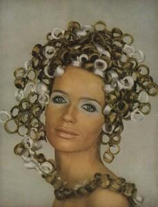 Beauty_US_Vogue_April_1st_1968_04.thumb.jpg.ccd39b1a6067dcc7c7e51ef7470bd06d.jpg