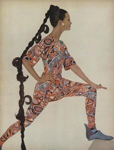 Beauty_US_Vogue_October_15th_1965_03.thumb.jpg.ada2d021fd8564fe798b191afe3b90d7.jpg