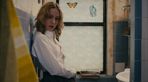 Brie.Larson_-_The.Trouble.With.Bliss.2011.1080p.Blu-ray.009.jpg