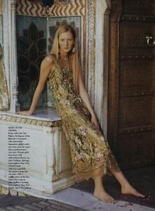 Elgort_US_Vogue_June_1999_18.thumb.jpg.2e6badf8c7f7e3dfbb57d8e6fc825407.jpg