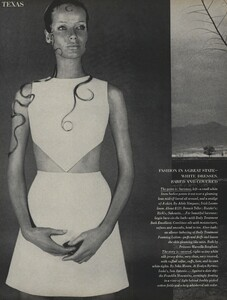 Horst_Rubartelli_US_Vogue_April_1st_1968_09.thumb.jpg.340e818b4e5d5067224e2d321bfe82f8.jpg