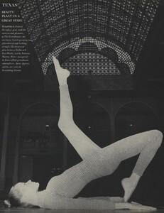 Horst_Rubartelli_US_Vogue_April_1st_1968_17.thumb.jpg.5e027f1c2cbac85c3058cfd773bde93c.jpg