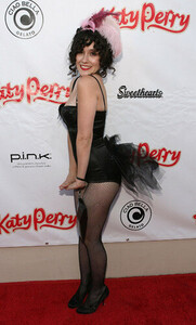 June-17-Katy-Perry-Record-Release-Party-shannon-woodward-14022855-302-500.jpg