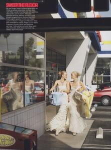 Meisel_US_Vogue_December_2005_08.thumb.jpg.669ef0f794558dad661534fa5a584f4e.jpg