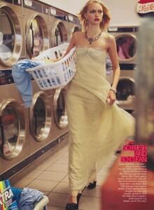 Meisel_US_Vogue_December_2005_10.thumb.jpg.90983f4b813ddc05be2a401621e704a3.jpg