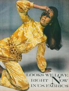 Stern_US_Vogue_January_15th_1969_02.thumb.jpg.0ed1ed4343a30eadd8cdd9dea898955c.jpg