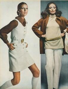 Stern_US_Vogue_January_15th_1969_03.thumb.jpg.9c0112af174838220563317c27fa16af.jpg