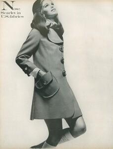 Stern_US_Vogue_January_15th_1969_07.thumb.jpg.6d83f807432df7fe4a20d09f5fff25b5.jpg