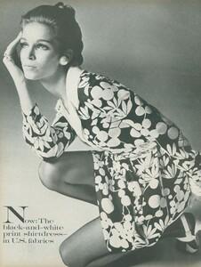 Stern_US_Vogue_January_15th_1969_19.thumb.jpg.a1b247a993a248dd641c9b04d0532606.jpg