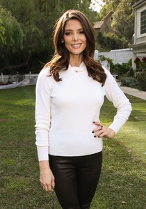 ashley-greene-on-hallmark-channel-s-home-family-to-discuss-new-movie-christmas-on-my-mind-in-la-8.jpg