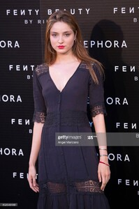 paula-willems-attends-rihanna-fenty-beauty-presentation-in-madrid-on-picture-id852548188.thumb.jpg.71a7b284d71a721c70c4535e6b51bdc6.jpg