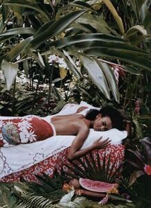 Elgort_US_Vogue_June_2003_02.thumb.jpg.ca6183282078f23cf2ecff4dce986bf1.jpg