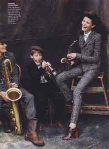 Elgort_US_Vogue_October_2008_12.thumb.jpg.efd6f59e70df26d676ebc2fea69112f6.jpg