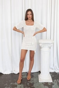 Isabelle-Quinn-Sofia-Mini-Ivory2_1000x.thumb.jpg.6901b3ca092c09c760f31156f6afc844.jpg
