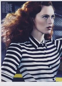 Klein_US_Vogue_March_2009_01.thumb.jpg.93ee5d5fbdc196556429b00ada335976.jpg