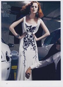 Klein_US_Vogue_March_2009_03.thumb.jpg.5177e6d819a2be627f3319e279d85b1b.jpg