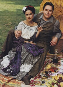 Leibovitz_US_Vogue_December_2001_11.thumb.jpg.468a4764a67cc679814b078e2293e29b.jpg