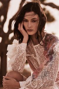 Sadie-Newman-Fashion-Gone-Rogue01.thumb.jpg.ae4734065ce5d08a123cf147759a3d33.jpg