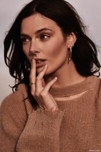 Sadie-Newman-Fashion-Gone-Rogue05.thumb.jpg.0fe4a05b5e62e02ec50283ec1b1d38a8.jpg