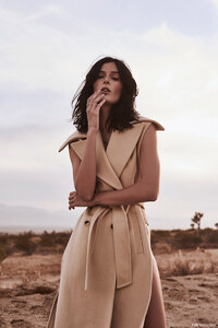 Sadie-Newman-Fashion-Gone-Rogue07.thumb.jpg.72727a0c52148377fc2d8c2c1f127e9d.jpg