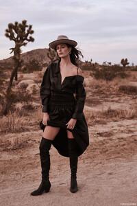 Sadie-Newman-Fashion-Gone-Rogue10.thumb.jpg.a9cb3ab9d7c93659794b872d76726421.jpg