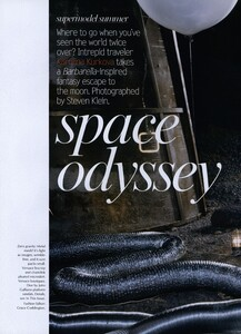 Space_Klein_US_Vogue_June_2003_01.thumb.jpg.be336071945f6066a732717ee4646dc4.jpg