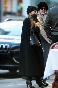 mary-kate-olsen-out-in-new-york-11-16-2020-2.jpg