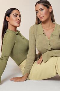 mathilde_gohler_knitted_shirt_1658-000056-0052_01a.thumb.jpg.3f55cfbf627319391814b9c120193515.jpg