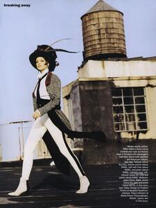 Breaking_Vadukul_US_Vogue_September_1992_03.thumb.jpg.c7ffaa981f1ac32446bac8a2a2bfcd9c.jpg