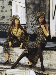 Breaking_Vadukul_US_Vogue_September_1992_08.thumb.jpg.3ced8fe67259d47660a6482e860857e6.jpg