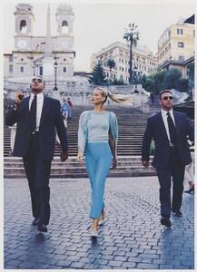 Elgort_US_Vogue_December_1994_07.thumb.jpg.48745a8f5c16c8ec77a041615d51f0d7.jpg