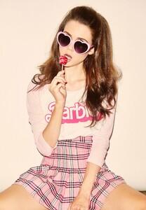 Lolita.thumb.jpg.95e5cd52c10b799b96094bbc13ff99fc.jpg