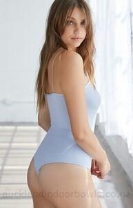 Mediocre-ps-basics-by-pacsun-seamless-bodysuit-7S6F_2.thumb.jpg.033cf586c0cdbd273d75b669e06512ce.jpg