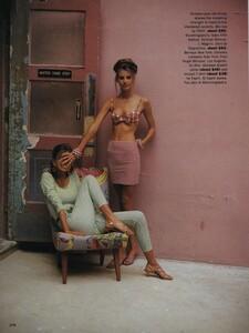 Nicks_US_Vogue_May_1992_03.thumb.jpg.3a5c17c3146df5684d0eeb8306ed3342.jpg