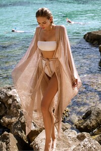 beachdress-kylie.jpg