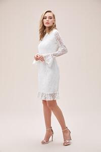 beyaz-dantel-islemeli-ispanyol-kollu-sirt-dekolteli-kisa-nikah-elbisesi-2021-koleksiyonu-oleg-14604-67-B.jpg