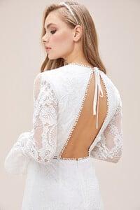 beyaz-dantel-islemeli-ispanyol-kollu-sirt-dekolteli-kisa-nikah-elbisesi-2021-koleksiyonu-oleg-14606-67-B.jpg