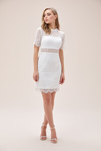 beyaz-dantel-islemeli-kisa-kollu-yuksek-yaka-kisa-nikah-elbisesi-2021-collection-oleg-14442-67-B.jpg