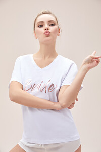 bride-tisortu-beyaz-baskili-t-shirt-kusak-oleg-cassini-tr-14271-67-B.jpg