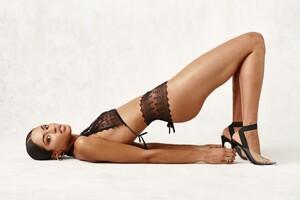 geneva-dark-panty-and-dark-bra-black-7.thumb.jpg.9268a0b11f614618e2d27816c13a983d.jpg