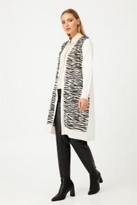 zebra-desenli-triko-hirka-ce18.jpg