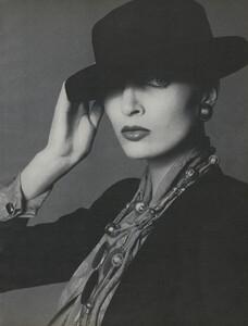 Avedon_US_Vogue_September_15th_1972_04.thumb.jpg.ff306a4d5d130492cc84b45fa0b66c14.jpg