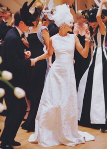 Ball_Meisel_US_Vogue_December_1997_09.thumb.jpg.118b5a675bea16165cbf8d9bb11c0521.jpg