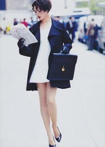 Coats_Elgort_US_Vogue_August_1994_05.thumb.jpg.56fa7eccda60206d3ee4852bcbeed671.jpg