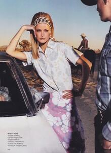 Meisel_US_Vogue_April_2000_05.thumb.jpg.443e055ea222a0301382d59b2a26f723.jpg