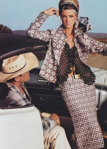 Meisel_US_Vogue_April_2000_07.thumb.jpg.fe25511e1c0b39775612569f383adc1b.jpg