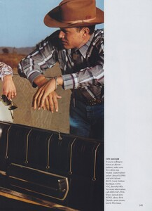 Meisel_US_Vogue_April_2000_08.thumb.jpg.84e2bef25f6c38333debf61b46a002c7.jpg
