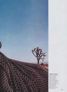 Meisel_US_Vogue_April_2000_12.thumb.jpg.d0cd494a29e78d0d7c48544c0be43126.jpg