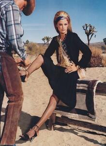 Meisel_US_Vogue_April_2000_14.thumb.jpg.6e019e9b344b90cd818b48602335f813.jpg